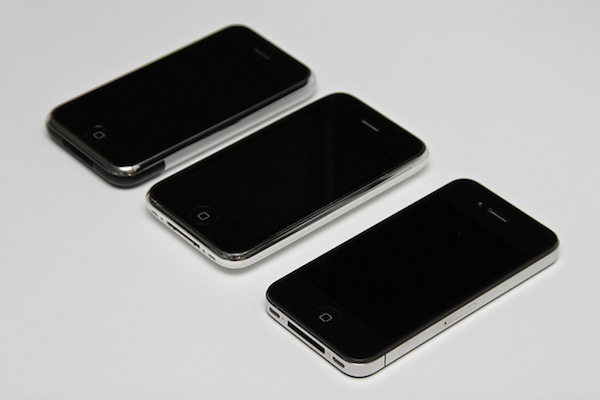 Original iPhone + iPhone 3G + iPhone 4 by Yutaka Tsutano_id geek girls blog